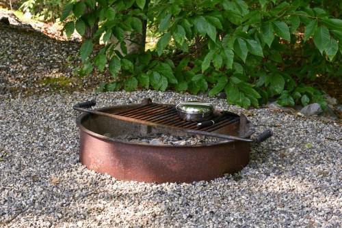 , 60 Cheap Metal Fire Pit Ideas-Relax Outdoors!